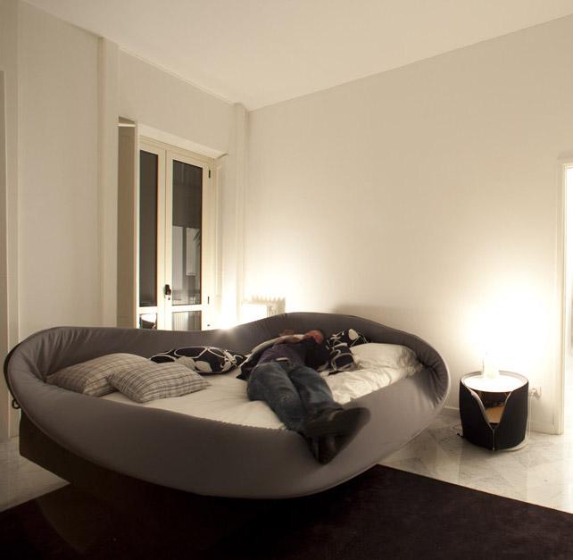 talianská manželská postel